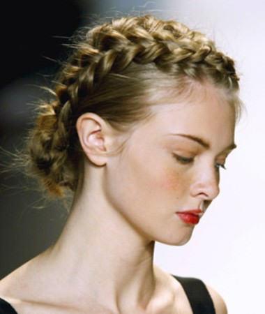 Греческие прически с косами