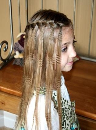 прическа на средние волосы с челкой на корпоратив фото