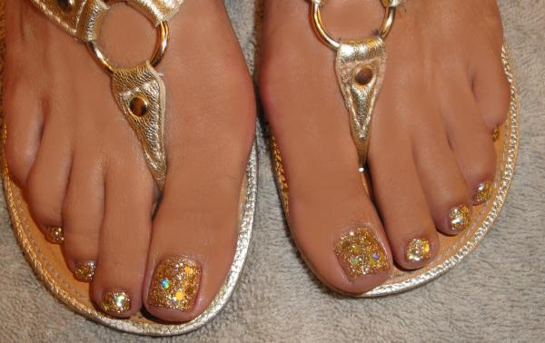 rockstartoes-gold