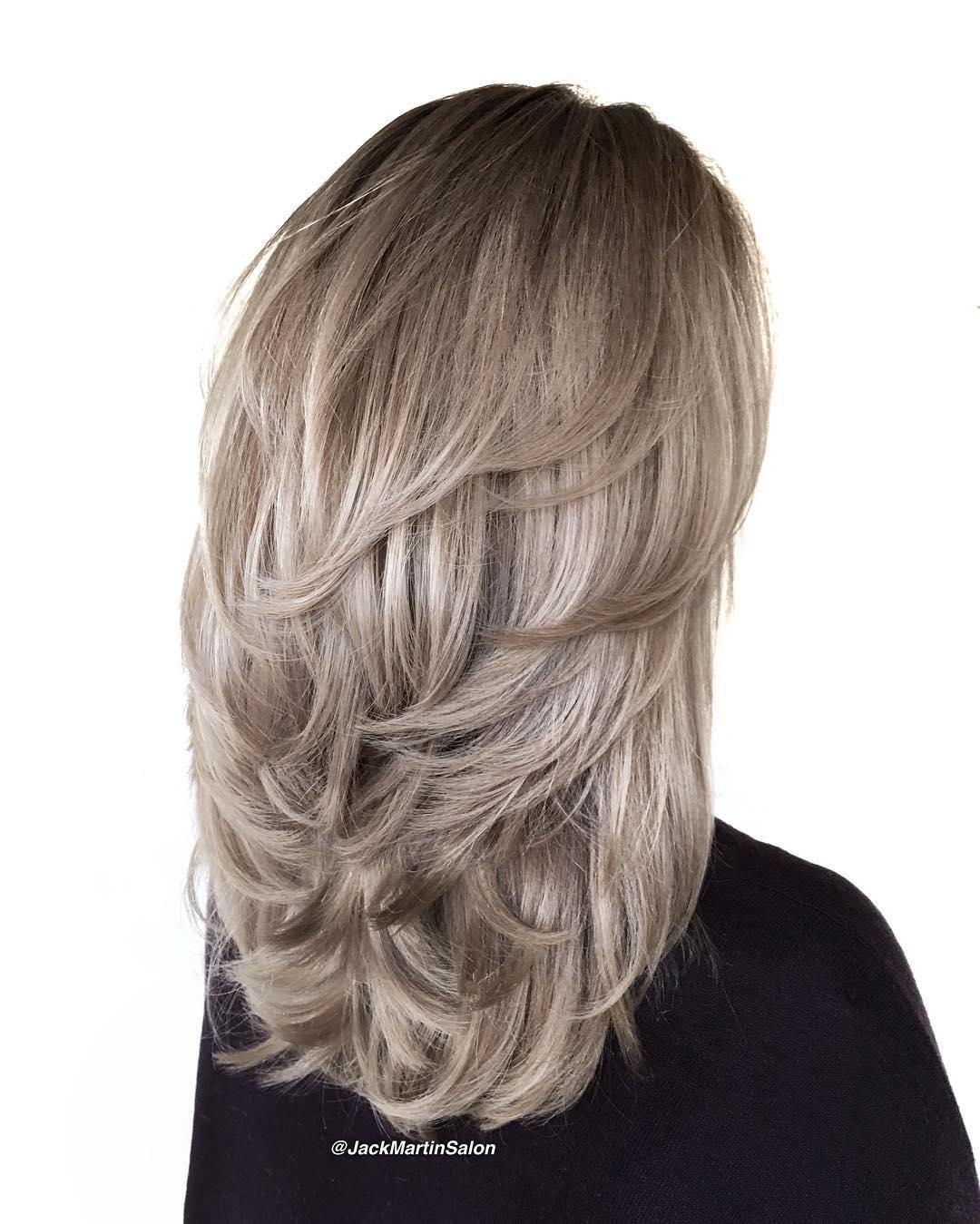 Фото причёски каскад с зади